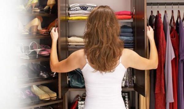 Αρωματίστε φυσικά τα ρούχα στο ντουλάπι σας