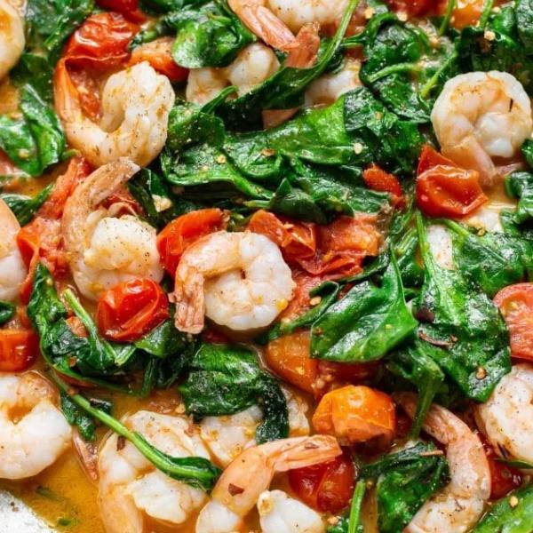 Πέντε απλές και λαχταριστές συνταγές που μπορείς να φτιάξεις με γαρίδες