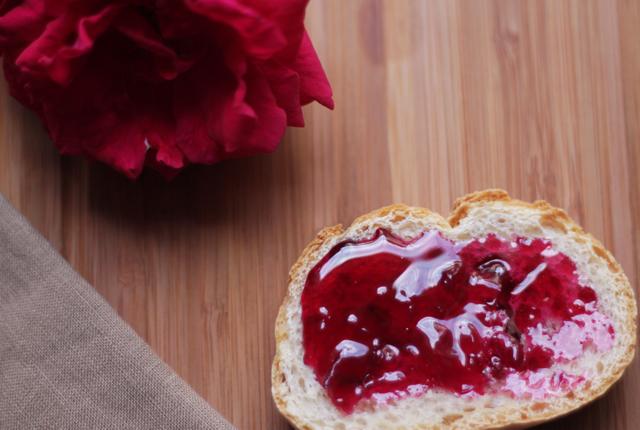 Rose-petal-jam-featured