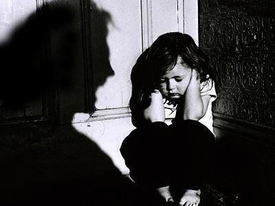 Οι φωνές κάνουν το καλό παιδί να πιστεύει πως είναι κακό. Σταματήστε το!