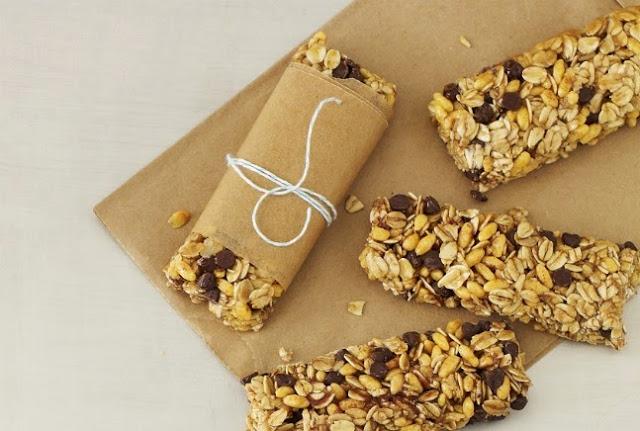 Μπάρες δημητριακών με σοκολάτα & ξηρούς καρπούς