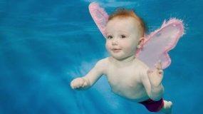 Mωρά κολυμβητές σε απίστευτες πόζες κάτω από το νερό