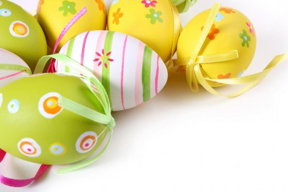 Ιδέες για να βάψετε τα αυγά και τα... πασχάλια