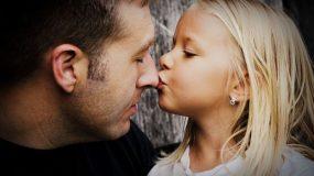 Συγκινεί το γράμμα ενός μικρού κοριτσιού:Κυρία Google, θα δώσετε ρεπό στον μπαμπά μου;