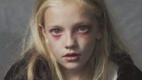 Ένα βίντεο που πρέπει ΝΑ ΔΕΙΤΕ ΟΛΟΙ!!! Η φρίκη που ζει ένα παιδί