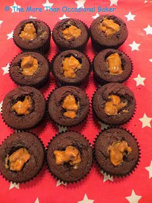 Απολαυστικα snickers cupcakes!