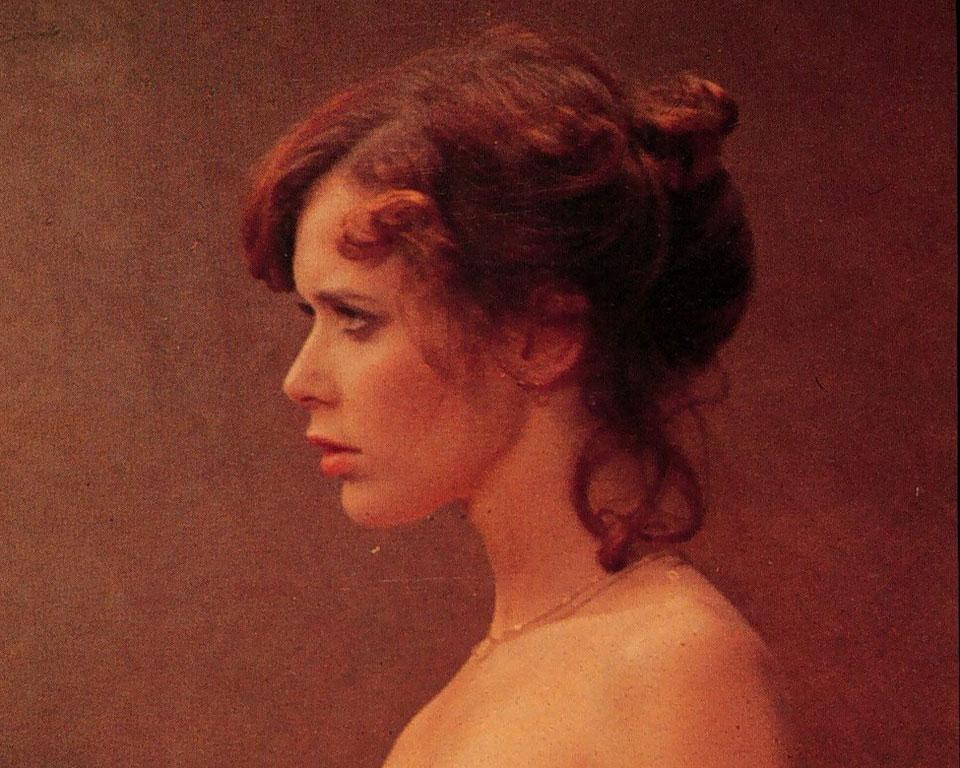 Εμμανουέλα. Η καταραμένη ζωή της Σίλβια Κριστέλ που έγινε σύμβολο του σεξ. Ο βιασμός, η απώλεια, τα ναρκωτικά...