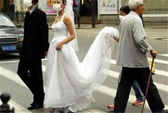 funny weddings 09 in Wedding Photos That Will Never Be in Your Wedding Album