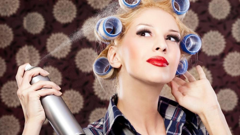 9 Εναλλακτικοί τρόποι να χρησιμοποιήσεις τη λακ μαλλιών