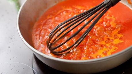 Πώς να φτιάξετε την τέλεια σάλτσα ντομάτας