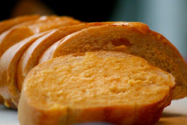 Ευκολο και γρηγορο ψωμι με Τσένταρ απο τον Ακη Πρετσετζικη!