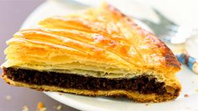 Φτιάξε την πιο γλυκιά και γρήγορη πίτα με γέμιση σοκολάτα!