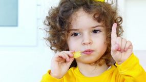 Πατατάκια (chips): Ταΐζουμε δηλητήριο τα παιδιά μας;