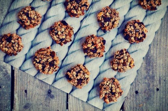 Cookies με 2 υλικά Η πιο γρήγορη συνταγή για υγιεινά μπισκότα