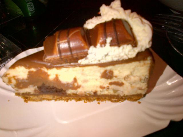 ψυγείου τσηζκεικ συνταγές κιντερ μπουένο επιδόρπια γλυκά με σοκολάτα γλυκά γλάσο σοκολάτας kinder bueno cheesecake