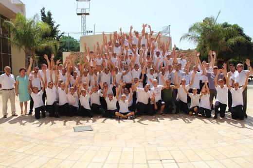 Μαθητές ενός ολόκληρου σχολείου στη Κυπρο ξυρίσαν τα κεφάλια για συμπαράσταση σε άρρωστο συμμαθητή τους