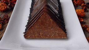 Toblerone!H αγαπημενη σοκολατιτσα των παιδικων μας χρονων!