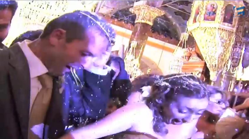 Τόσο ρύζι σε γάμο δεν έχεις ξαναδεί!!! ( VIDEO)