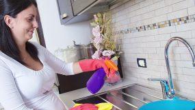 Ετσι θα καθαρισετε τα ΠΑΝΤΑ στη κουζινα!