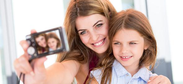 Αυτοί είναι οι λόγοι για τους οποίους ΔΕΝ πρέπει να βαζετε φωτογραφίες των παιδιών σας στο Facebook