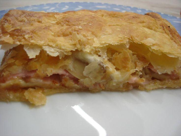 Πίτα με σφολιάτα με γέμιση πίτσας!Απο τη Μαρια Μαρδα!