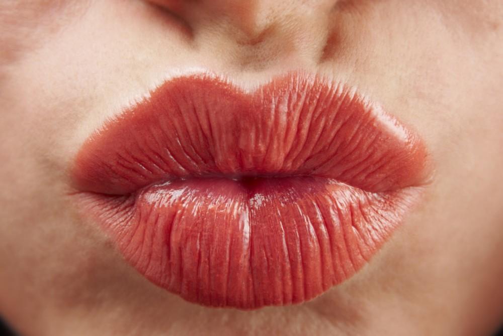 Οχτώ tricks στο μακιγιάζ σας για να δείχνετε νεότερη