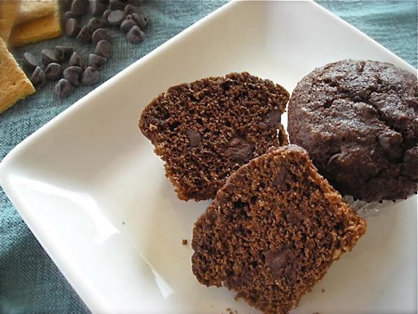 Μικρά μαλακά κέικ με κάστανο και σοκολάτα