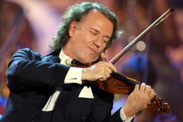 Andre Rieu, ο διάσημος βιολιστής που τιμάει την Ελλάδα κλείνοντας τις συναυλίες του με  ΕΛΛΗΝΙΚΟ ΣΥΡΤΑΚΙ! (ΒΙΝΤΕΟ)