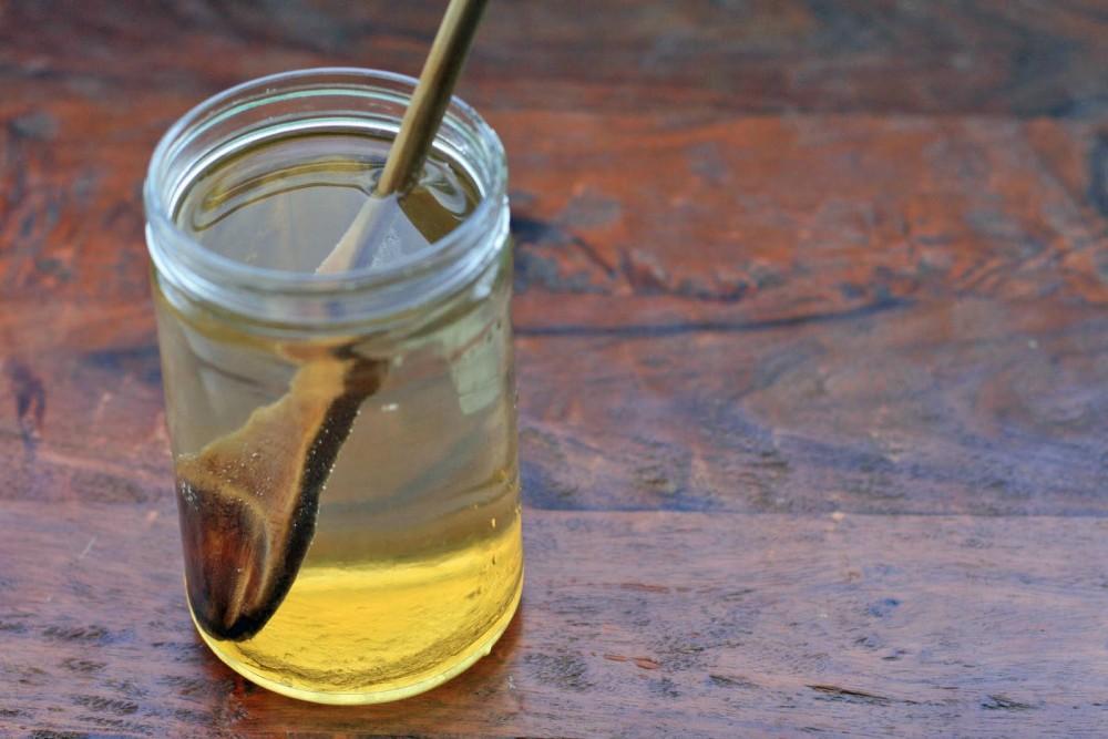 Ρόφημα με νερό και μέλι για να καθαρίσετε τον οργανισμό σας