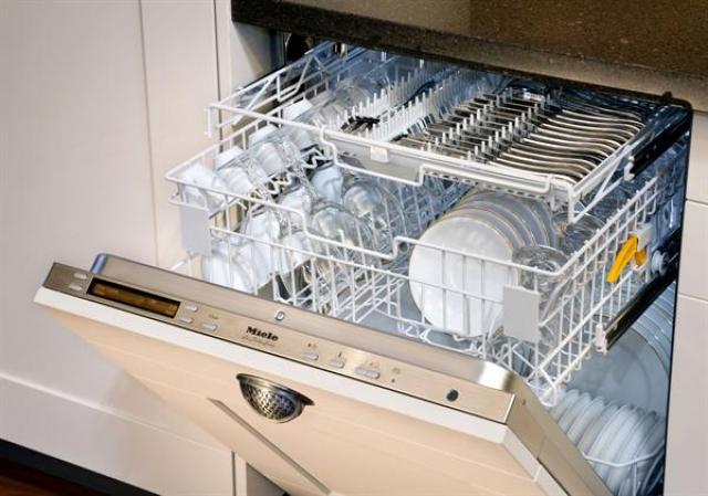 Όλα όσα μπορεί να καθαρίσει ένα πλυντήριο πιάτων