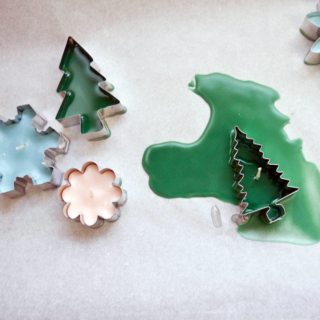 Φτιάξτε χριστουγεννιάτικα κεράκια για το σπίτι με κουπ πατ για τα μπισκότα