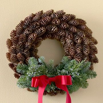 DIY holiday pinecone wreath I love the simplicity of this! I was just taking pictures of all the pinecones in our trees getting ready to fall, wondering what I could do with them.