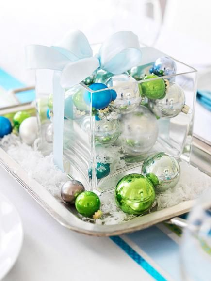 Christmas centerpiece ideas: ornaments