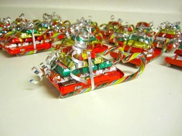 Χριστούγεννα έλκηθρα καραμέλα κάνουν φθηνή και εύκολη δώρα για τα παιδιά και τους εκπαιδευτικούς.