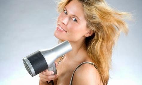 10 ασυνήθιστες χρήσεις για το πιστολάκι μαλλιών!
