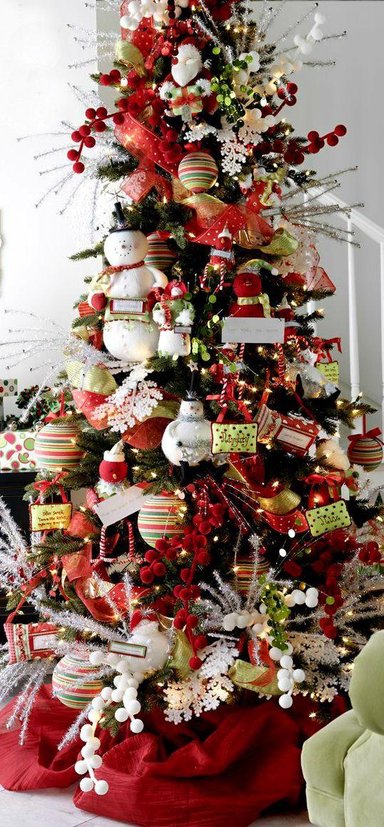 Christmas Tree ● Snowmen#xmas #holiday #happyholiday #merrychristmas #christmasdecorating #chrismtmasdecor #holidaydecor #redandgreen #decor #festive #deckthehalls #happyholidays #bestholidayideas #bestchristmasideas #christmasplanning #holidayrecipes #baking #holidaybaking #cooking #recipes #bestholidayrecipes #bestchristmasrecipes www.gmichaelsalon.com