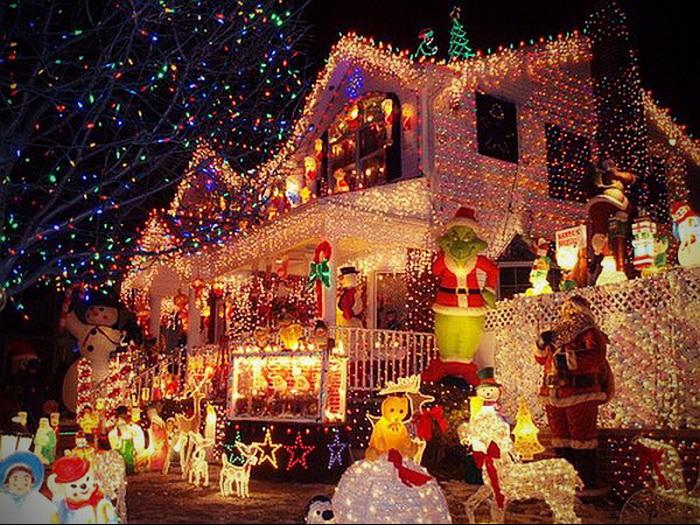 Οι πιο κιτς στολισμοί Χριστουγέννων είναι εδώ