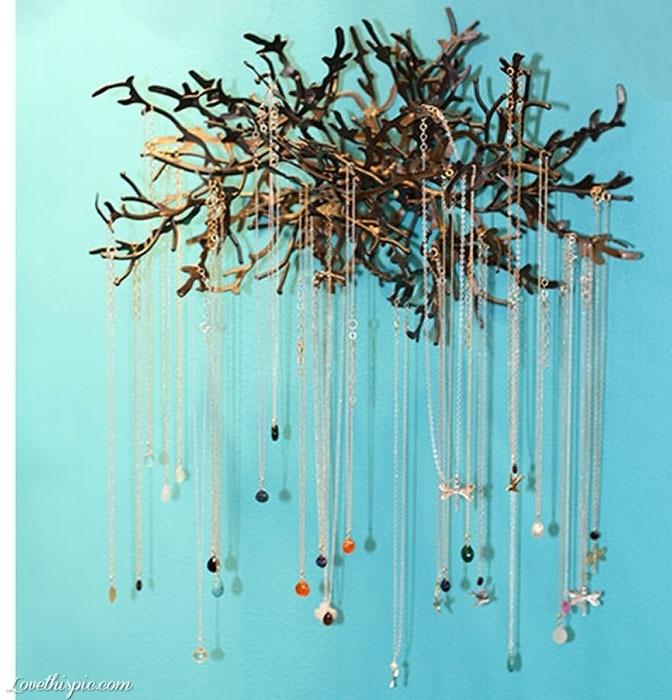 Προτότυπες ιδέες για να κρεμάσετε τα κοσμήματα σας