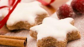 Χριστουγεννιάτικα Μπισκότα κανέλας  με γλάσο ζάχαρης