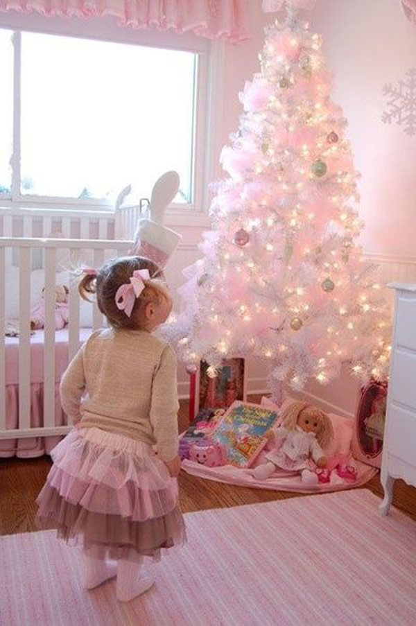 pink christmas tree and bedrooms 15 Christmas Kids Bedroom Ideas