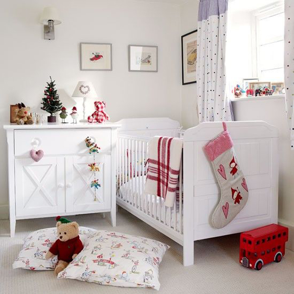 white christmas kids bedroom 15 Christmas Kids Bedroom Ideas