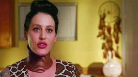 Η γυναίκα που θέλει να γίνει καμηλοπάρδαλη.-Η 29χρονη που φορά δαχτυλίδια στο λαιμό της για να τον μακρύνει κατά 20 εκ. ΕΙΚΟΝΕΣ