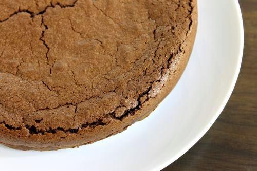 Το κόλπο για να κάνετε το μπαγιάτικο κέικ  ξανά αφράτο!
