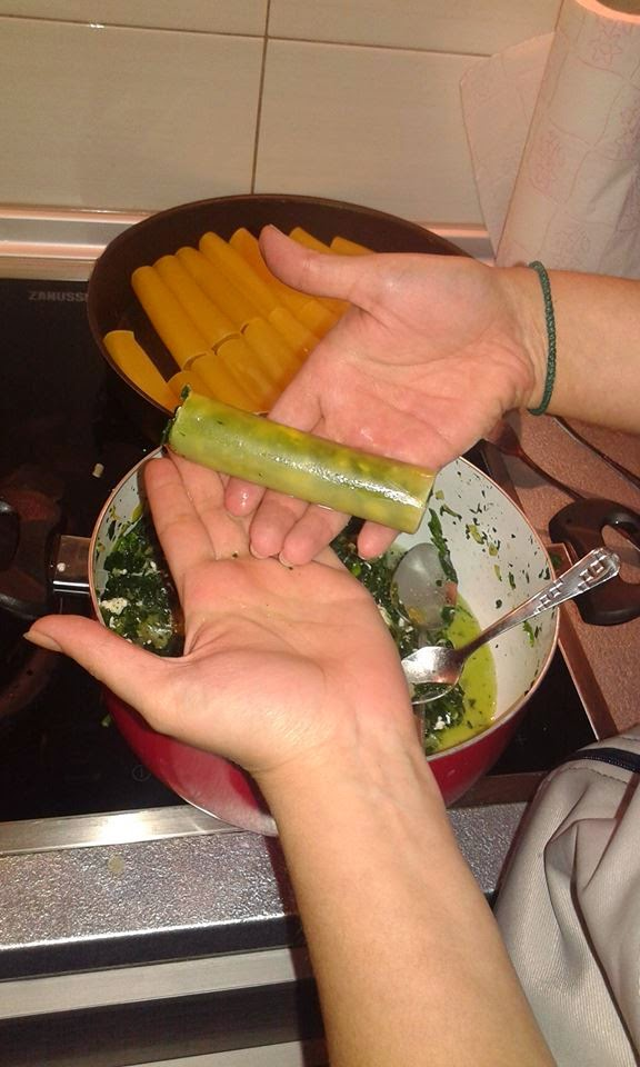 Λαχταριστά κανελόνια γεμιστά με σπανάκι!Μια συνταγη που πρεπει να δοκιμασετε βημα βημα