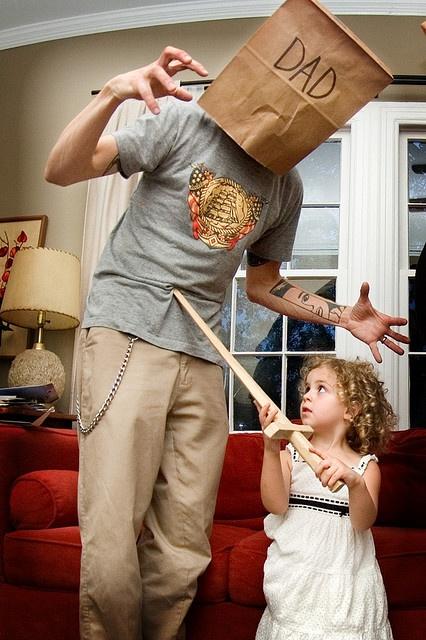 Το παιδι χρειαζεται μπαμπα!Δεν χρειάζεται έναν ηθοποιό που θα παίζει το ρόλο του μπαμπά