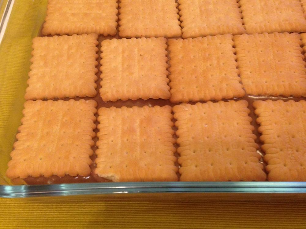 Σοκολατένιο γλυκό με μπισκότα πτι μπερ