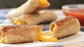 Ευκολα ρολακια απο ψωμι του τοστ γεμιστα με τυρι