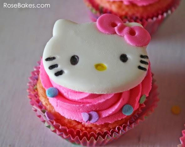 Θεματικό πάρτυ Hello Kitty με συνταγή για τούρτα βήμα - βήμα και ΔΩΡΕΑΝ ΕΚΤΥΠΩΣΕΙΣ!