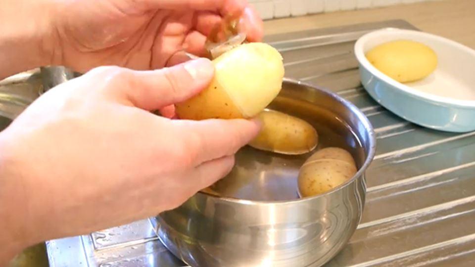Μυστικά για τις πατάτες που δεν γνωρίζετε και ένα ΒΙΝΤΕΟ για να τις ξεφλουδίσετε σε λιγότερο από 30 δεύτερα