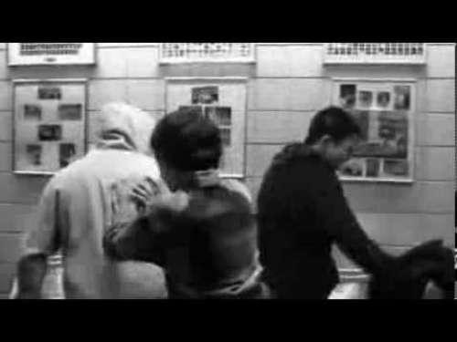 Το  Ελληνικό βίντεο που πρέπει να δείτε μαζί με τα παιδιά σας για το σχολικό εκφοβισμό .